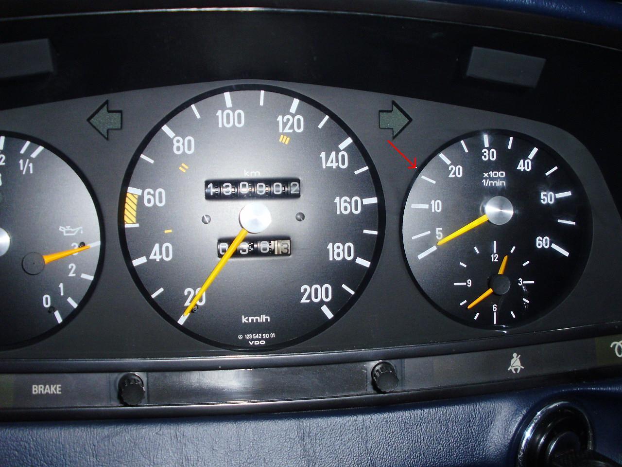 Car Instructions » W123 Mercedes Benz 300D Tachometer